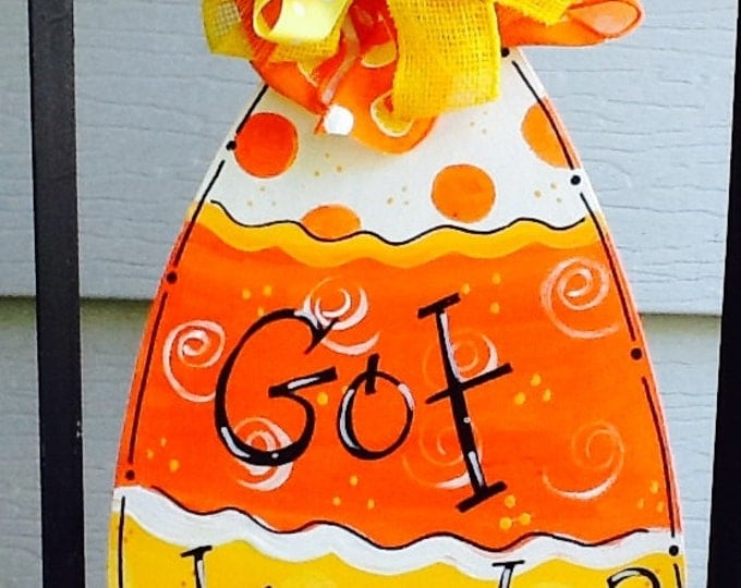 Candy corn sign, got treats sign, got candy sign, happy halloween sign, trick or treat sign, trick or treat door hanger, candy corn