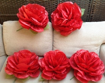 Set of 5 x Large Paper Roses wedding flowers backdrops party birthdays special events table decorations