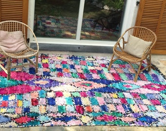 Carpet boucherouite large model 300x186cm in the cheerful colors of summer.
