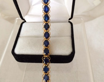 Luxurious 10K Gold 15ct. Sapphires Tennis Bracelet 21 Faceted Sapphires 15 Carats Total Approx. Weight