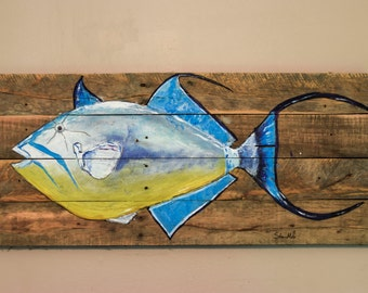 Queen triggerfish on reclaimed wood