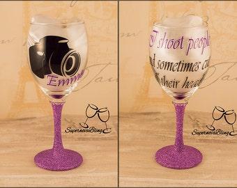 I SHOOT PEOPLE - Personalised Glitter wine glass camera
