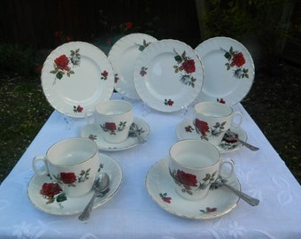 Vintage Red Roses Brexton English Teaset x 4 Trios
