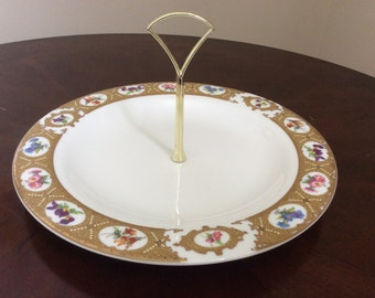 A Lovely Royal Vale Cake Stand Made in England.