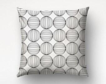 Graphic Circles Case, Modern Decor, Sofa Throws, Elegant Motif