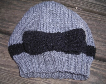 Gray slouchy knit hat with Black bow