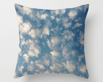 POPCORN CLOUDS    Pillow