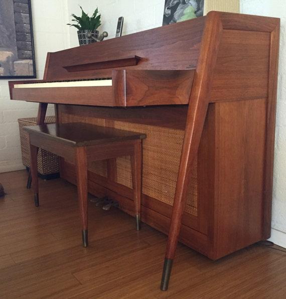 Danish style mid century baldwin acrosonic spinet upright for Moderni piani a 4 piani