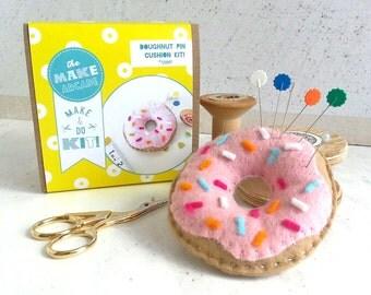 sewing kit, Craft DIY, donut, DIY Kits, diy crafts, make your own, pin cushion kit, felt food, doughnut craft, sewing kit, fun sewing