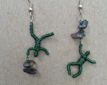 Single wire people with gemstones