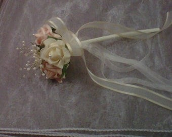 flowers girl wand champagne & cream roses