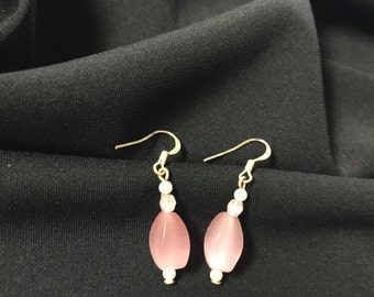HINT OF PINK - light pink bead earrings