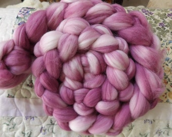 Hand dyed sock blend roving (berry blush)