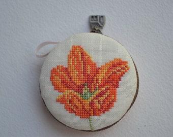 Macaroon hand cross stitch on Linen, jewelry purse,7.5 cm.