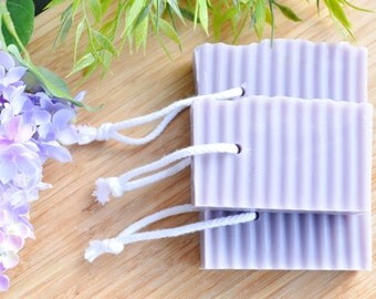 Lilac Shower Soap - Soap on a Rope - Purple Soap - Cold Process Homemade Soap - Wavy Soap - Vegan Soap Favos - Lilacs Scented - Lilac Rope