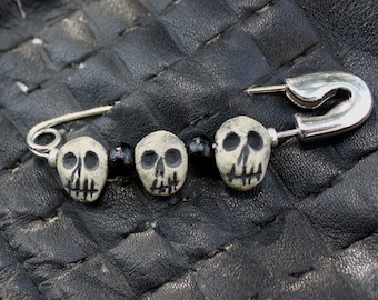 3 Stooges Skull Safety Pin