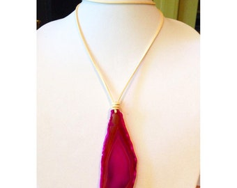 Cream Leather Necklace with Pink Agate Pendant