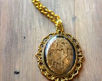 Vintage Gold Cabochon Necklace