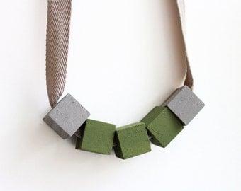 Box Necklace - Olive