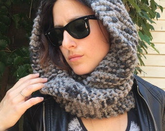 Super Chunky Knit Infinity Scarf - Two-Tone Grey
