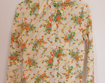 Retro Flowered Shirt / 70s style