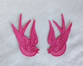 2x Swallow birds Rockabilly fushia pink Iron On Embroidered Patch Patches