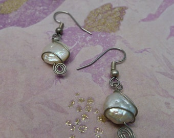 Wire WrappedWhite  Freshwater Coin Pearl-Faye
