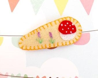 Kawaii Mushroom Toddler Hair Clip, Felt Mushroom Hair Clip, Christmas Gift, Girl Hair Clip, Baby Shower Gift, Handmade Barrette
