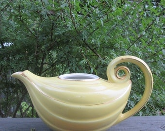 Vintage Hall Aladdin Teapot - Yellow and Gold - 1940s Collectible