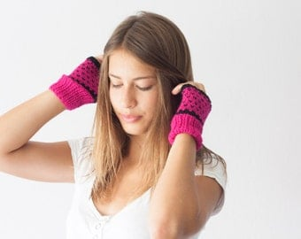 Knit fingerless gloves in hot pink and black texting gloves hand warmers womens knit gloves wrist warmers mittens mitts