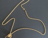 Avon Charm Necklace Trefoil Tender Memories Goldtone Vintage NOS