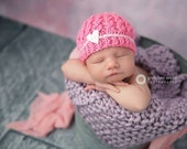 Newborn knit cabled beanie with heart button