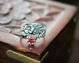 SALE ...Vintage Sterling Silver  flowers and Bee with red/ orange quartz stone  Ring Twig Diorama  Stunning in size 7