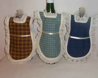 Dish Soap Apron, Handmade, Wine Bottle, Detergent Cover, Cotton Homespun, Eyelet Lace, Kitchen Decor