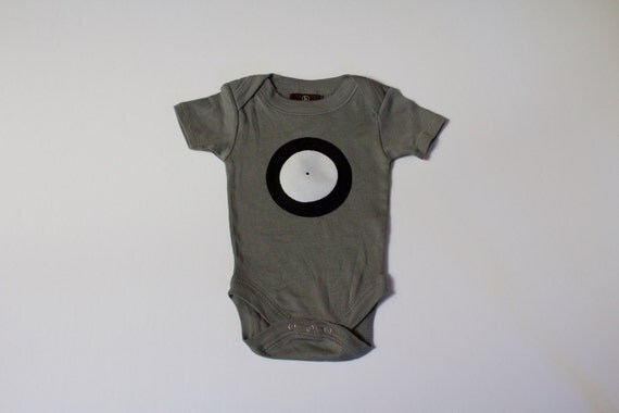 baby bodysuit • SALE • LAST ONE • vinyl record bodysuit • 0-3 month