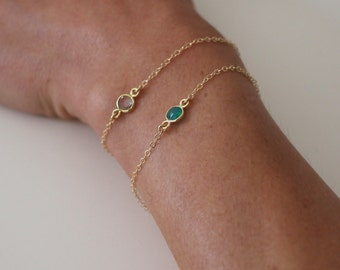 Dainty Green Onyx bracelet - gold filled - single gemstone - gold chain bracelet