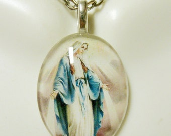 Miraculous medal pendant with chain - GP12-111 cameo style