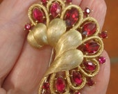 Crown Trifari Fur Clip  Vintage Jewelry Red  Rhinestone Brooch Gold Tone