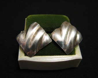 Vintage Modernist Sterling Silver Square Wavy Pierced Earrings