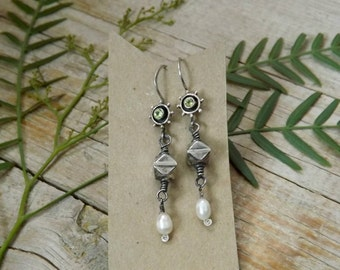 EARRINGS Pearl, Peridot, and Sterling Silver handmade earrings