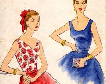 1950s Sleeveless Blouses - Vintage Pattern Vogue 9021 - B36
