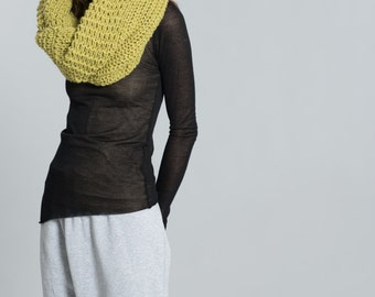 Chunky Knit Scarf / Infinity Scarf / Winter Shawl / Loop Scarf / Stocking Stuffer / Perfect Gift / marcellamoda - MA402