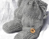 """The Original """"BootLeggers"""" Knitted Light Gray Ruched Baby Boots/Legwarmers Combination"""