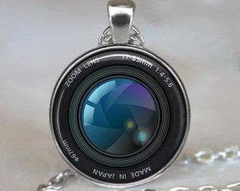 Shutter Lens Camera necklace, Camera pendant, camera lens jewelry, camera jewelry, jewellery, photographer's gift, key chain key fob