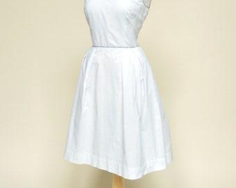Vintage 1960s Day Dress...HELEN WHITING White Cotton Sundress Medium
