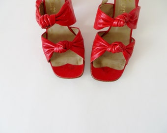 Vintage Red Shoes / 1960s Shoes / Peep Toe Shoes / Pinup Shoes 60s Red Heels / Red Sandals Open Toe Shoes Strappy Heels Cuban Heels / Size 7