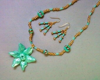 Teal Flower Necklace and Earrings (0386)