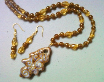 Brown, Honey and Gold Leaf Necklace and Earrings (0633)