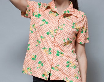 vintage 70s polyester shirt pointy collar printed yellow strawberry M L medium large