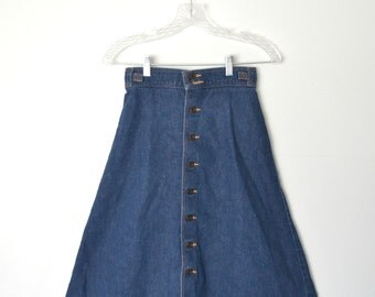 Vintage 80s Blue denim Flared Button down skirt Brown buttons Buttons at top back Front button closure / size small